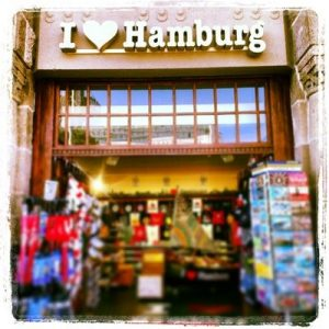 i_love_hamburg_landungsbruecken_1